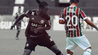 Junior SornozaJogador de futebolJúnior Nazareno Sornoza Moreira é um futebolista equatoriano que atua como meio-campista. Atualmente joga no Fluminense. WikipédiaNascimento: 28 de janeiro de 1994 (23 anos), Portoviejo, EquadorAltura: 1,66 mPeso: 63 kgNacionalidade: EquatorianoTimes atuais: Fluminense Football Club (#27 / Meia), Seleção Equatoriana de Futebol (Meia)Tags inuteissornoza fluminenseorejuela fluminenseequador 2017seleção equatorianabrasil x equadorequatorianos fluminenseldu x fluminensefluminense 2017gol sornozagol orejuelagolaço sornozasornoza fluminense 2017HD4Klucca mafralucca scottsoccer brazillances de sornoza skills and goals sornozatodos os gols fluminense independiente dell vallelibertadores 2016delvalle x atletico nacional 2016