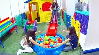 Nonton MUITA DIVERSÃO NA ABRIN 2017! ★ Tour conferindo Lançamentos de Brinquedos e Playground na feira VLOG Film Subtitle Indonesia Streaming Movie Download