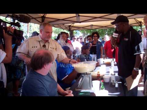 the breakfast klub | grits eating competition (HD)