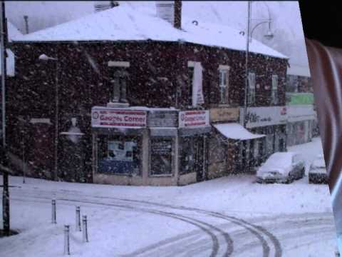 Snowfall on Edgeley Stockport Jan 2015 (видео)
