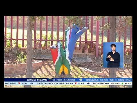 A bust of Nelson Mandela unveiled at Pretoria-east primary school