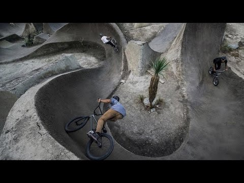 The Land of Perfect BMX Dirt Jumps | BMX Paradise: Ep 3 (видео)