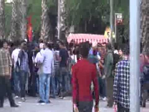 İzmir'de Kobani eyleminde gerginlik