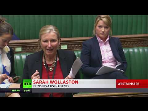 Tories lose as Commons votes to pause Universal Credit rollout (видео)