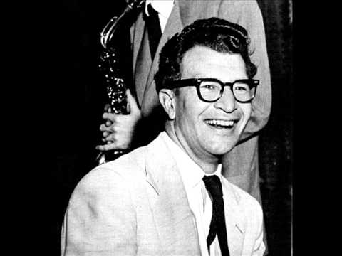 Video The Dave Brubeck Quartet - Take Five - Live in Montreux (1982) download in MP3, 3GP, MP4, WEBM, AVI, FLV January 2017