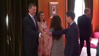 SS.MM. los Reyes reciben en audiencia a los Premios Fin de Carrera 2016 de la Universidad de Oviedo
