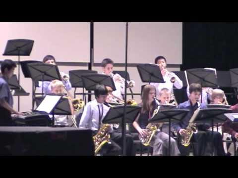 In het arrangement van JD's Big Band gespeeld door de Fowler Middle School Jazz Band: