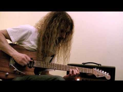 Guthrie Govan (Aristocrats) using Ditto Looper and Flashback X4 from TC Electronic. This video was shot right after handing the Ditto Looper to Guthrie.  That is how easy it is use! Filmed at the Hilton Hotel during Namm show (Anaheim) 2013.