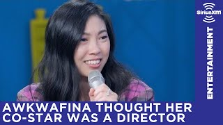 Video Awkwafina thought Henry Golding was the assistant director when they first met on set MP3, 3GP, MP4, WEBM, AVI, FLV Oktober 2018