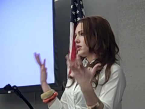 """Erin Cummings from """"Detroit 187"""" speaks to Troy Rotary"""