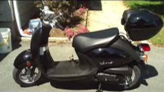 8. Yamaha Vino 50cc Scooter Moped SAVE GAS SAVER cheap transportation 90 - 100 MPG