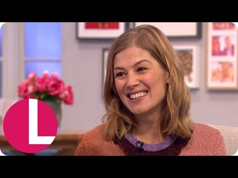Rosamund Pike Enjoyed Playing 'Crazy' Character in Gone Girl | Lorraine