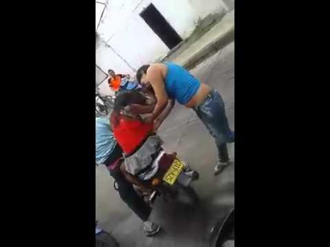 """Baje esa perra del carro Luis """"ahora de la moto"""""""
