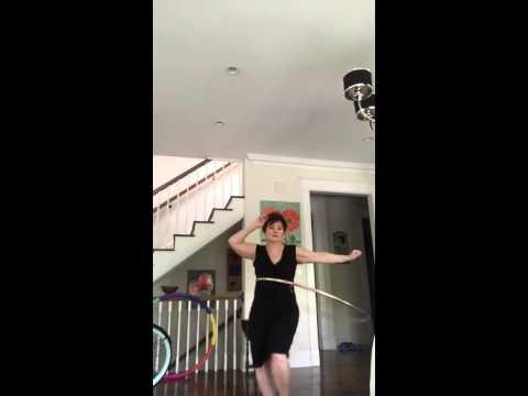 Edie Simons, Ain't Nobody Hoop Dance (видео)