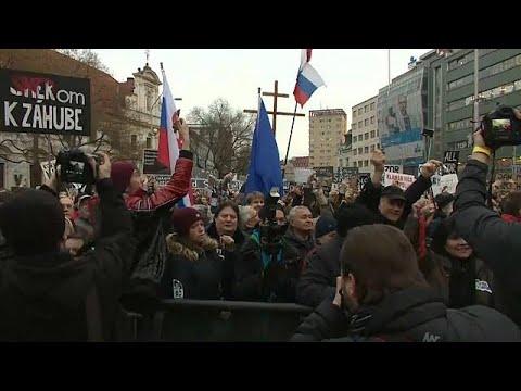 Riesendemo gegen die slowakische Regierung in Bratislava