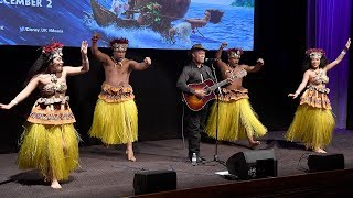 Opetaia Foai Sings We Know The Way At Moana UK Premiere