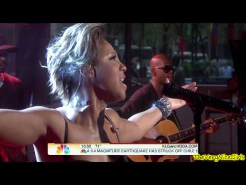 Toni Braxton - Unbreak My Heart - May 2010 (live)