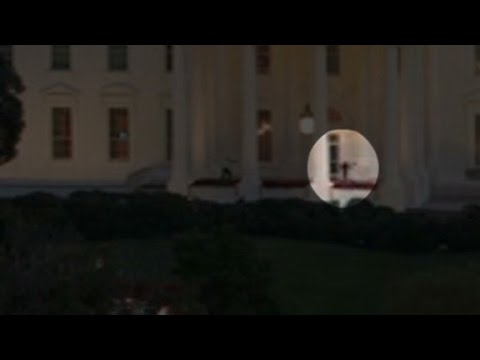 man - An Iraq War veteran sprinted across the White House lawn and inside within seconds before being caught. More from CNN at http://www.cnn.com/ To license this and other CNN/HLN content, visit...