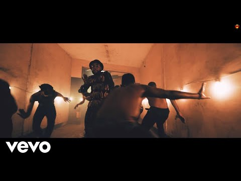 VIDEO: Kcce - Dance Ft. Phyno