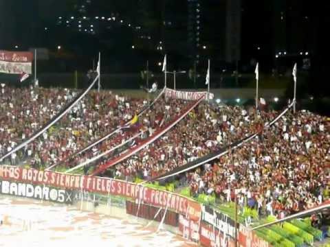 Un Sentimiento Popular - La Barra del Caracas FC (Caracas FC - Yaracuyanos FC) - Los Demonios Rojos - Caracas