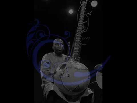 Toumani Diabaté & Ballaké Sissoko 1999   Récital duo de kora   YouTube