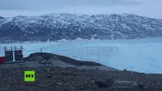 Momento exacto: Un iceberg de más de 6 km se desprende de un glaciar en Groenlandia