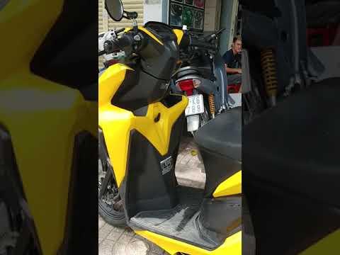 Sơn dàn áo Vario màu vàng