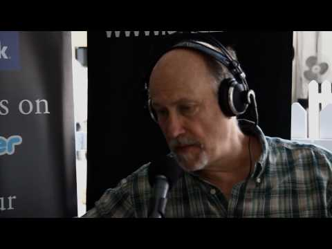 Guitar master John Scofield speaks with JAZZ.FM91's Larry Green at the 2010 TD Toronto Jazz Festival.