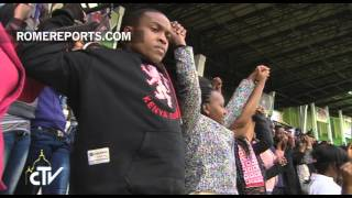 Encuentro del Papa Francisco con los jóvenes en el Estadio Kasarani