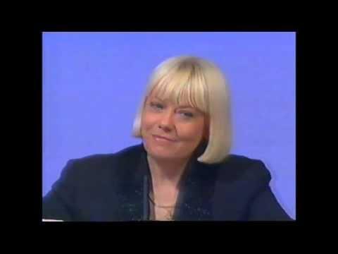 Wendy Richard vs Meg Tilly - VidArena Video Match - Wendy Richard