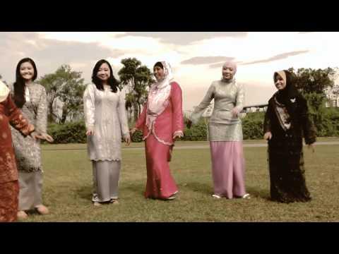 Clip Video Hari Raya oleh Guru Guru Melayu Edgefield (видео)