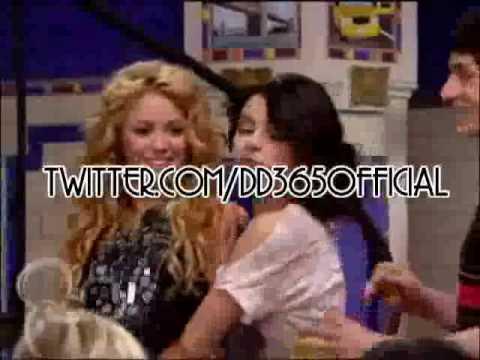Selena Gomez, quiere ser como Shakira, LE RECOMIENDO QUE APRENDA ESPAÑOL PRIMERO.