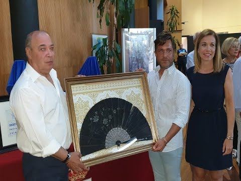 Donación privada, al Ayuntamiento de Isla Cristina, de un abanico perteneciente a Dª Concha Márquez