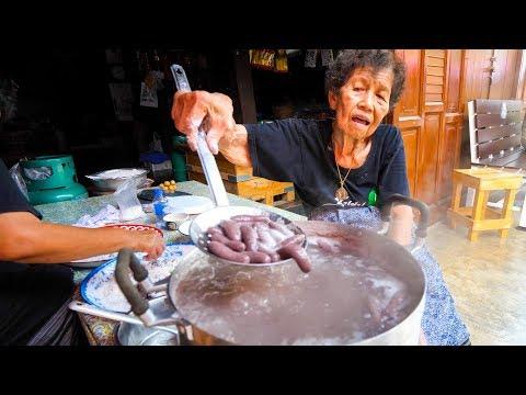Video Thai Street Food - GRANDMA'S CRAZY SNACK in Chanthaburi, Thailand! download in MP3, 3GP, MP4, WEBM, AVI, FLV January 2017