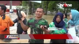 Video Petugas Evakuasi Warga yang Terjebak Banjir di Maros MP3, 3GP, MP4, WEBM, AVI, FLV Januari 2019