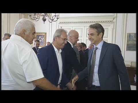 Με τους κοινωνικούς εταίρους στο Μαξίμου ο πρωθυπουργός