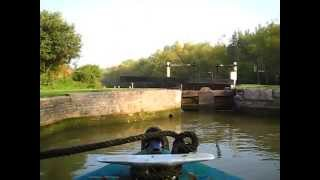 Time-Lapse (speeded up) Narrowboat Journey On The Oxford Canal