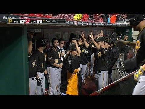 Video: Bucs, Reds set Great American homer record