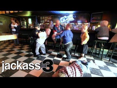 Pelea de enanos en un bar
