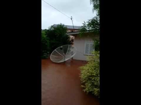Chuva causa prejuízos em Gramado dos Loureiros