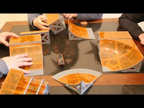 Tony Hawk toys - Circuit Boards by HEXBUG (skateboard/skatepark toy set)
