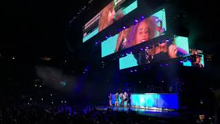 Taylor Swift – Gorgeous (Live Debut at B96 Jingle Bash Chicago)
