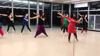 Bollywood dance class in Paris by Triwat dance School Prof. Megha jagawat. for more information visit our website www.triwat.org