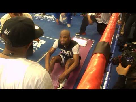 Floyd Mayweather Jr's ab workout is KILLER...Watch & Try!