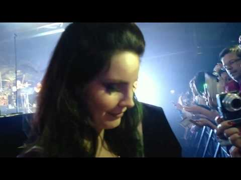 Lana Del Rey with Fans in München (Munich) 25th April (HD) High Quality