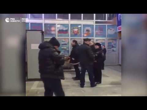Родственники пассажиров разбившегося Ан-148 собрались в аэропорту Орска (видео)