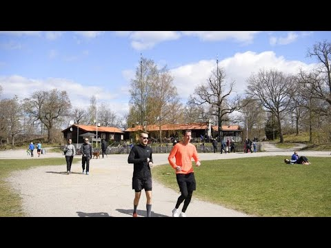 COVID-19: Η διαφορετική αντιμετώπιση στη Σουηδία