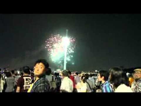 歩いてみました 言問橋からの隅田川花火大会2012年 混雑状況