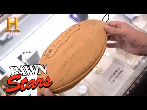 TOUGH BREAK for Signed Chicago Bears Football | Pawn Stars (Season 7) | History