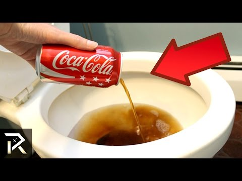 老媽試著把可樂倒進「洗衣機」裡看看是不是真的有神奇用途,結果她以後都一直這樣做了!